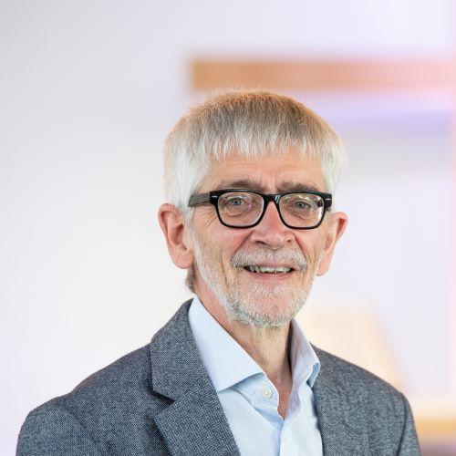 Arnim Schäfer